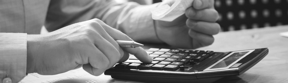Calculating expenses on calculator